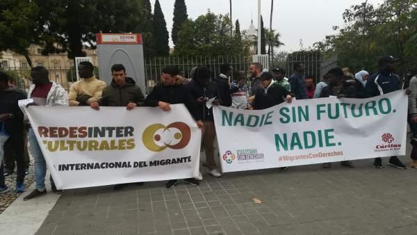 Manifestación en Sevilla por el Día de las Personas Migrantes