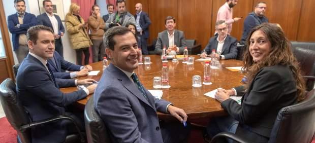 La regeneración democrática y el PSOE, principales escollos en la negociación andaluza de PP y Cs