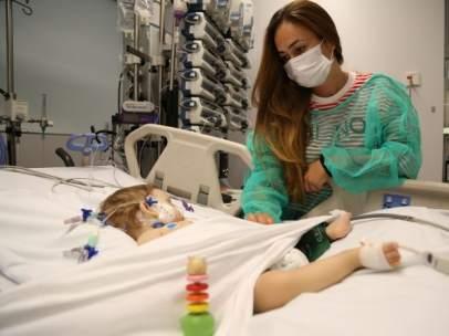 Una de las menores que ha recibido un trasplante de hígado con la técnica del split en el Hospital Infantil de Vall d'Hebron.