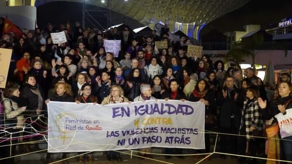Manifestación contra 'el patriarcado fascista y racista'