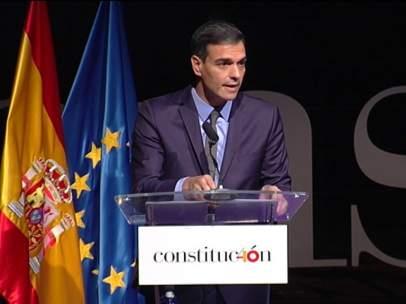 Sánchez, este miércoles en un homanaje a las parlamentarias constituyentes.