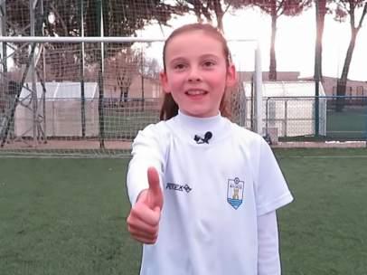 Una de las niñas del Club Deportivo Avance