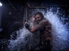 Jason Momoa, con el agua al cuello en la primera película en solitario de 'Aquaman'.