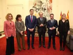 Sánchez, Torra, Batet, Calvo, Aragonès y Artadi posan en Palau de Pedralbes