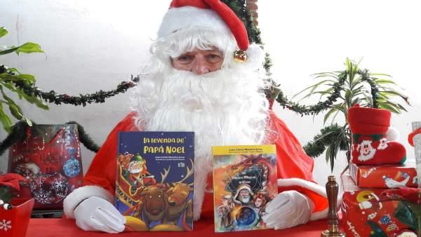 Presentación libros sobre Papa Noel de Juan Carlos Maestro