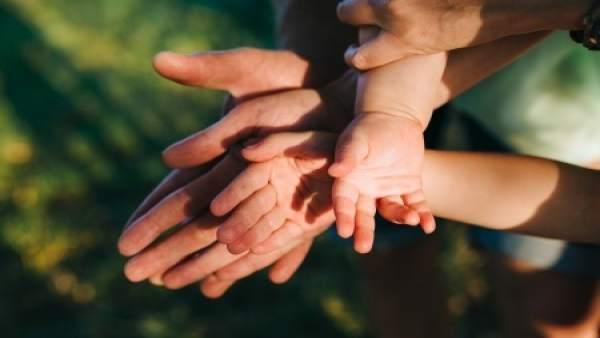 Adopción, familia, bebé
