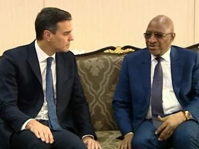 Sánchez, con el primer ministro malí Soumeylou Boubèye Maïga.