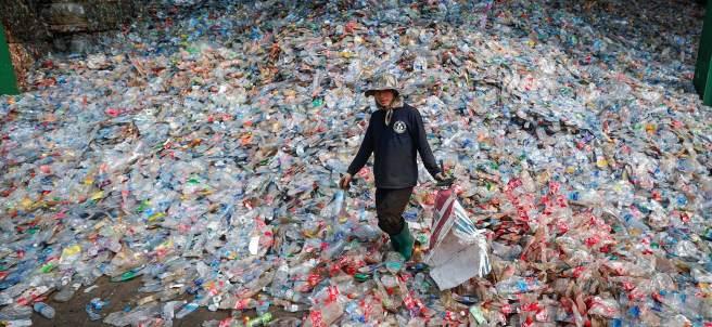 Montañas de plásticos