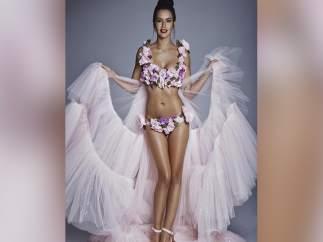 Cristina Pedroche, críticada por su look de bikini de flores en las Campanadas