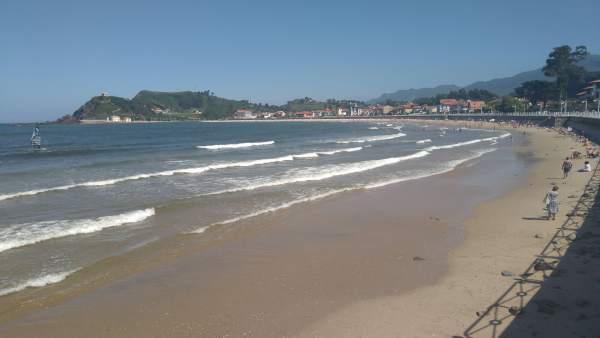 Bandera amarilla, playa, salvamento, Ribadesella, verano, socorrista, turismo