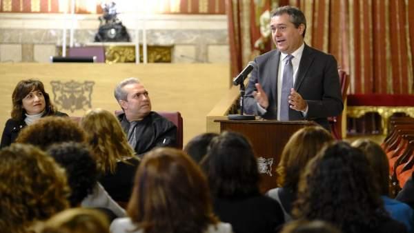 Juan Espadas Participa En El Acto De Clausura Del Plan Integra