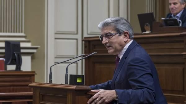 El presidente y portavoz de Nueva Canarias, Román Rodríguez