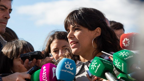 Teresa Rodríguez atiende a los periodistas en Málaga