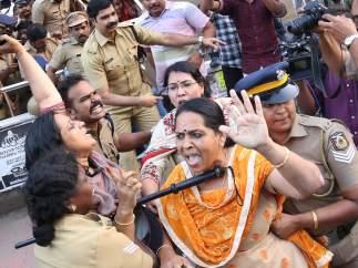 Protestas por el acceso de mujeres al templo de Sabarimala, en Kerala (India)