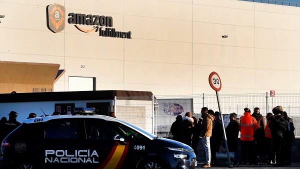 Huelga de los trabajadores de Amazon en plena campaña de Reyes.