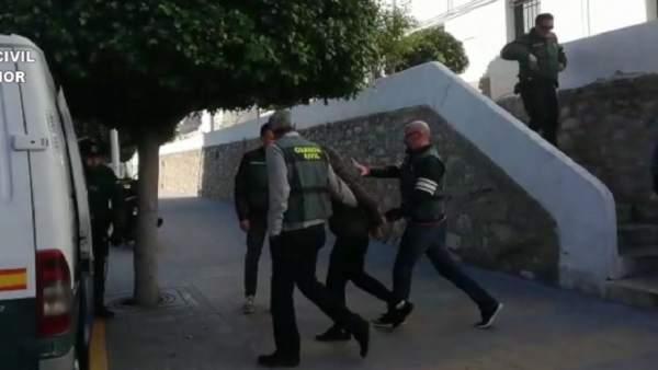 Cuatro detenidos por abusar sexualmente de una joven en Nochevieja