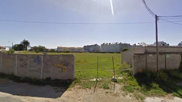 Hallan el cadáver en descomposición de una mujer en los vestuarios de un campo de fútbol de Ferrol