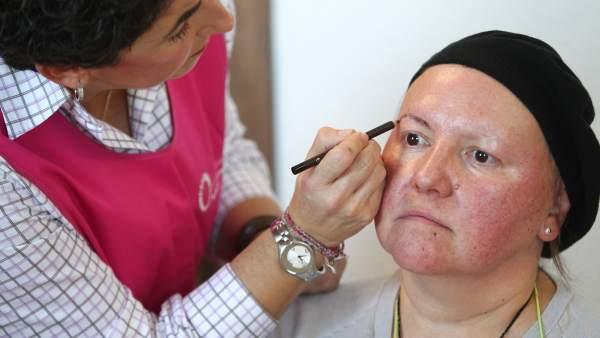 Cursos de maquillaje para pacientes con cáncer
