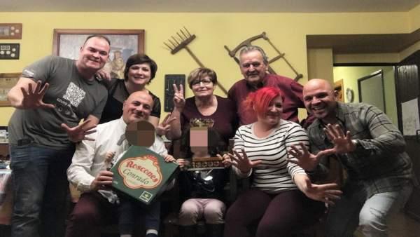 Zamora.- Familia de A. Corrales, ganadores de 10.000 euros del roscón de Conrado