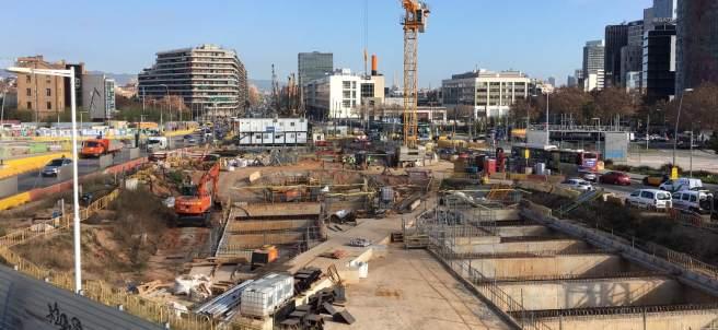 Vistas desde el nuevo mirador sitado en el centro de las obras de la plaza de las Glorias.