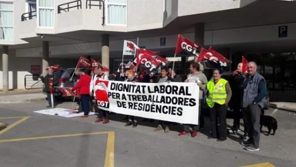 Protesta por falta de personal en residencias