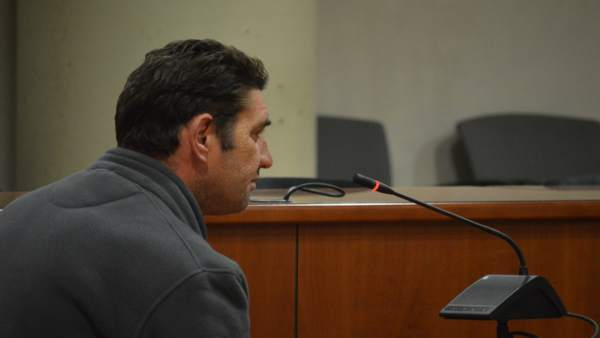 Juicio a un hombre acusado de violar a su pareja durante tres años