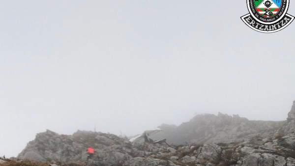 Furgoneta siniestrada en el monte guipuzcoano de Hernio