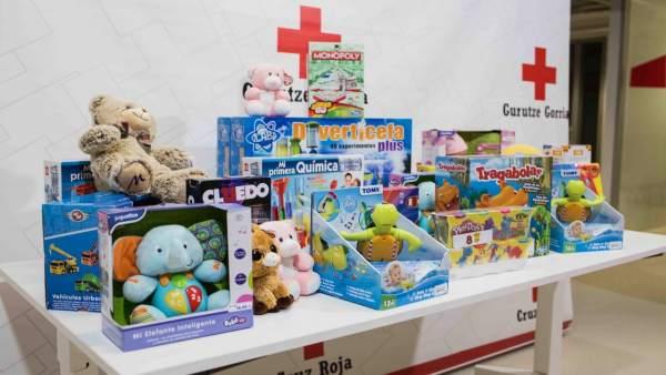 Juguetes recogidos por Cruz Roja en Bizkaia