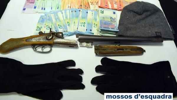 Dinero y arma hallados tras el atraco en Pont de Suert