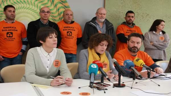 Rueda de prensa de trabajadores de Alcoa con miembros del BNG.