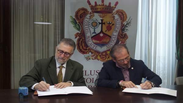 Firma convenio Colegio de Abogados con AECC