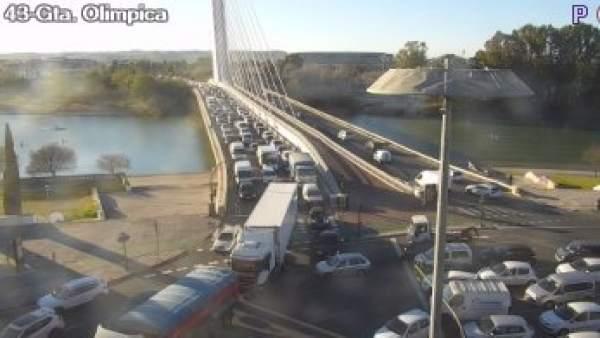Tráfico congestionado en la Barqueta