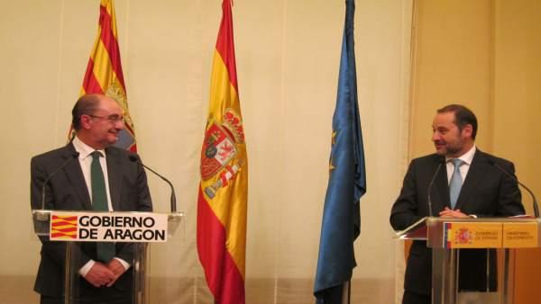 Javier Lambán y José Luis Ábalos en Zaragoza