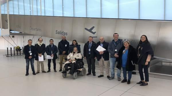 Una delegación del CERMI en el nuevo aeropuerto