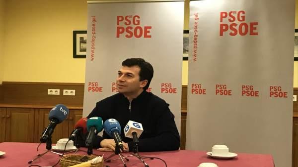 O secretario xeral do PSdeG, Gonzalo Caballero, nunha rolda de prensa