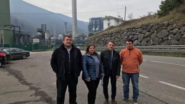 Visita del PP a la térmica de Soto de la Barca.