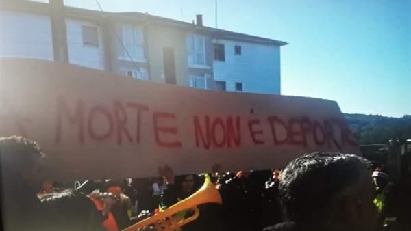 Protesta contra la caza de zorro, este sábado, en Cerdedo-Cotobade