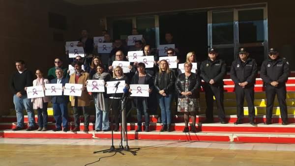 Concentracion por el asesinato machista en Fuengirola