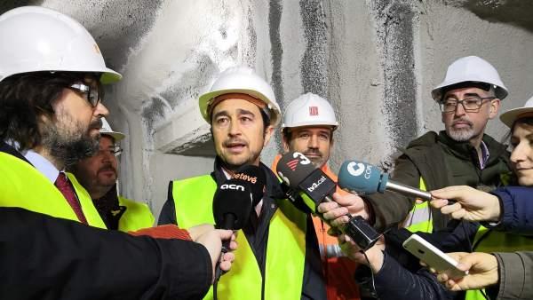 El conseller Damià Calvet visita las obras de la Estación de FGC de Provença.