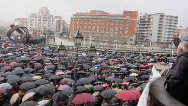Concentración Pensionistas En Bilbao.
