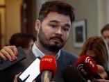Gabriel Rufián atiende a los medios en el Congreso