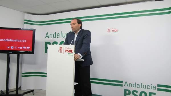 José Fernánden durante la rueda de prensa.