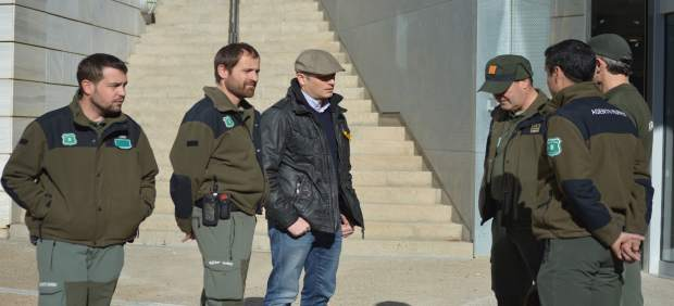 Agentes rurales el pasado miércoles en la Audiencia de Lleida
