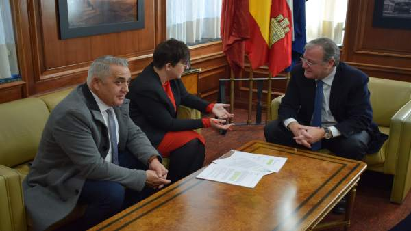 Reunión entre el Ayuntamiento de León y el de San Andrés del Rabanedo.