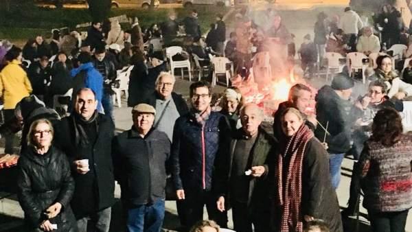 Tradicional fogueró de los 'populares' en Marratxí