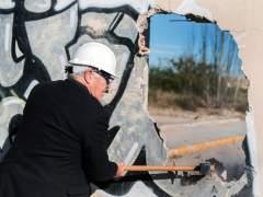 Ribó derriba el muro de Nazaret