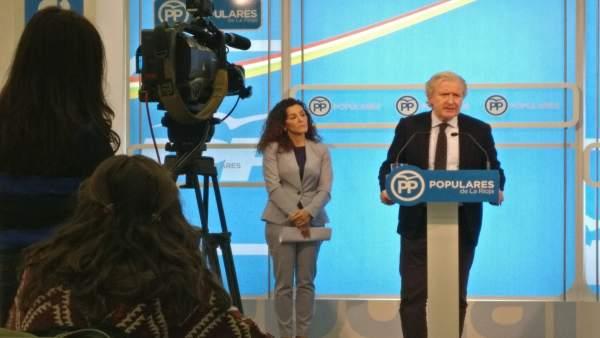 Diputados del PP Emilio del Río y Mar Cotelo en comparecencia de prensa