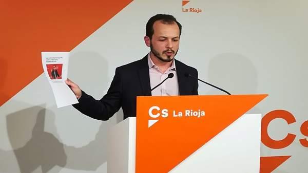 El portavoz autónomico de Cs La Rioja Pablo Baena en rueda de prensa