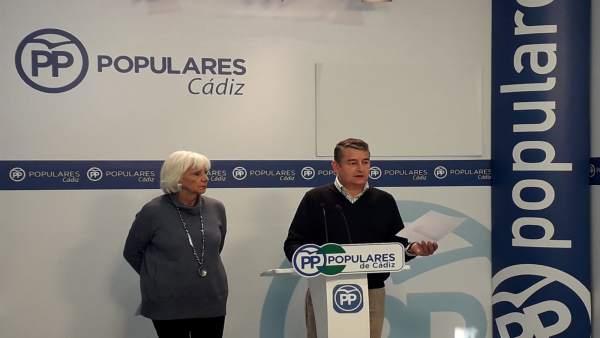 Teófila Martínez y Antonio Sanz, en rueda de prensa
