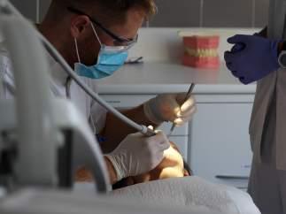 Nuevo servicio de odontología municipal para personas vulnerables.